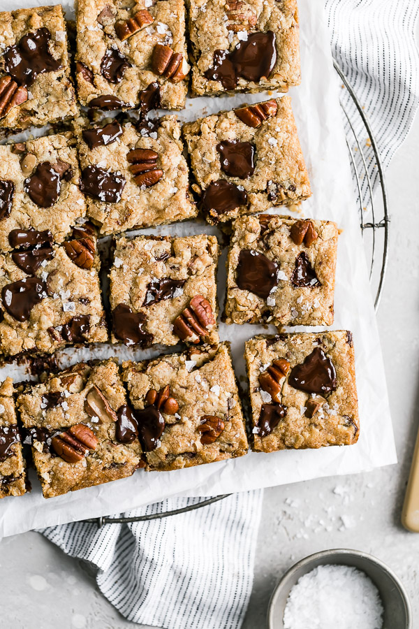 brown-butter-pecan-toffee-chocolate-chunk-cookie-bars