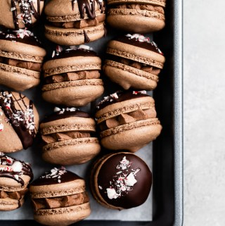 triple-chocolate-peppermint-macarons