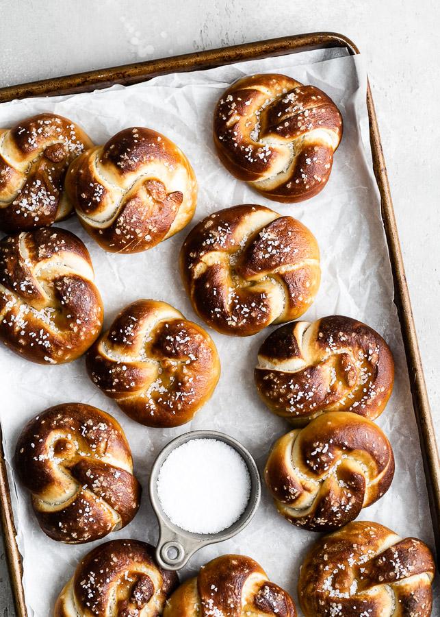 sourdough-pretzel-knots