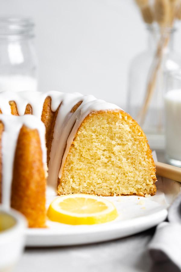 glazed-lemon-bundt-cake