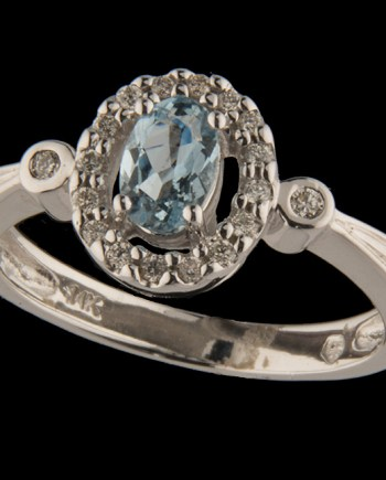 Diamond 0.15 ctw and Oval Aquamarine (6x4mm) Ring in 14K White Gold-0