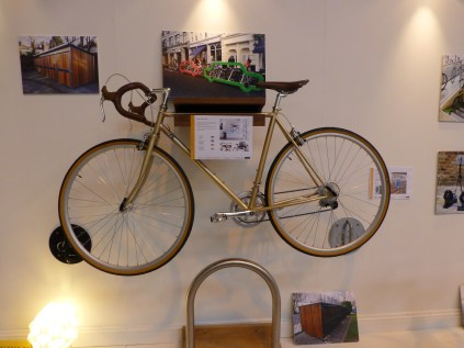 I don't know anything about this bike, except it's beautiful. It was on the Cyclehoops bike storage stand.