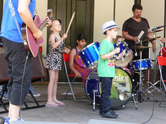 Loved the little fella with the tambourine. Top hat!