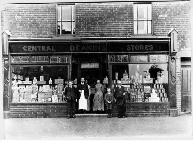 1916 abt Deakins Central Stores