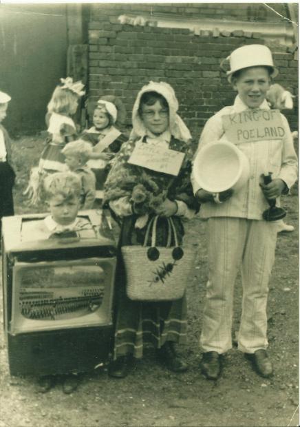 Brownhillscoronationevent1953p2