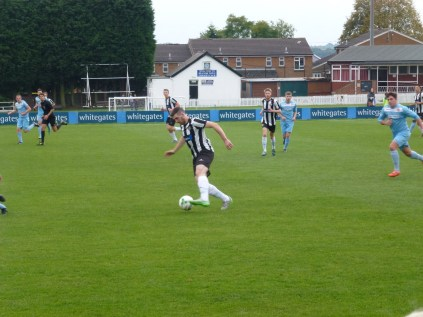 Heanor launch an attacking move as the Wood challenge