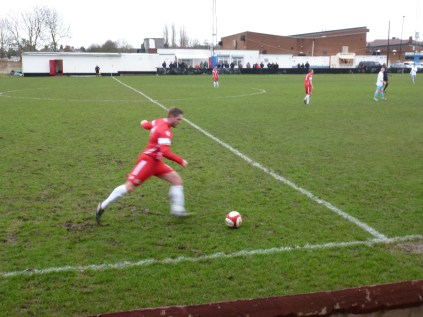 Long accurate kicking and smart off the ball moves, by both sides in this match today.