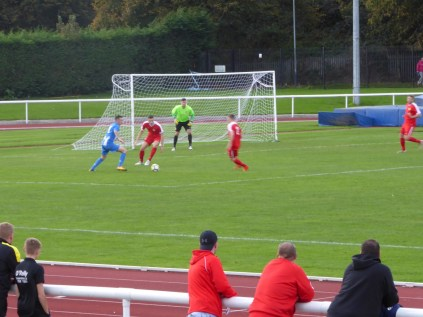 First half saw Nuneaton weathering the onslaught by the Wood and making their own challenge. Super soccer.