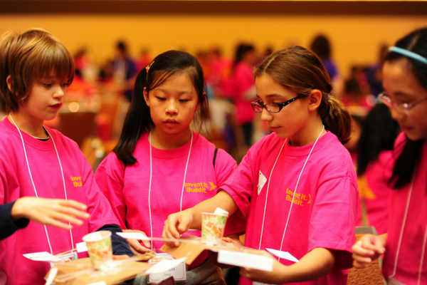 Women Engineers Hold STEM Event for Middle School Girls