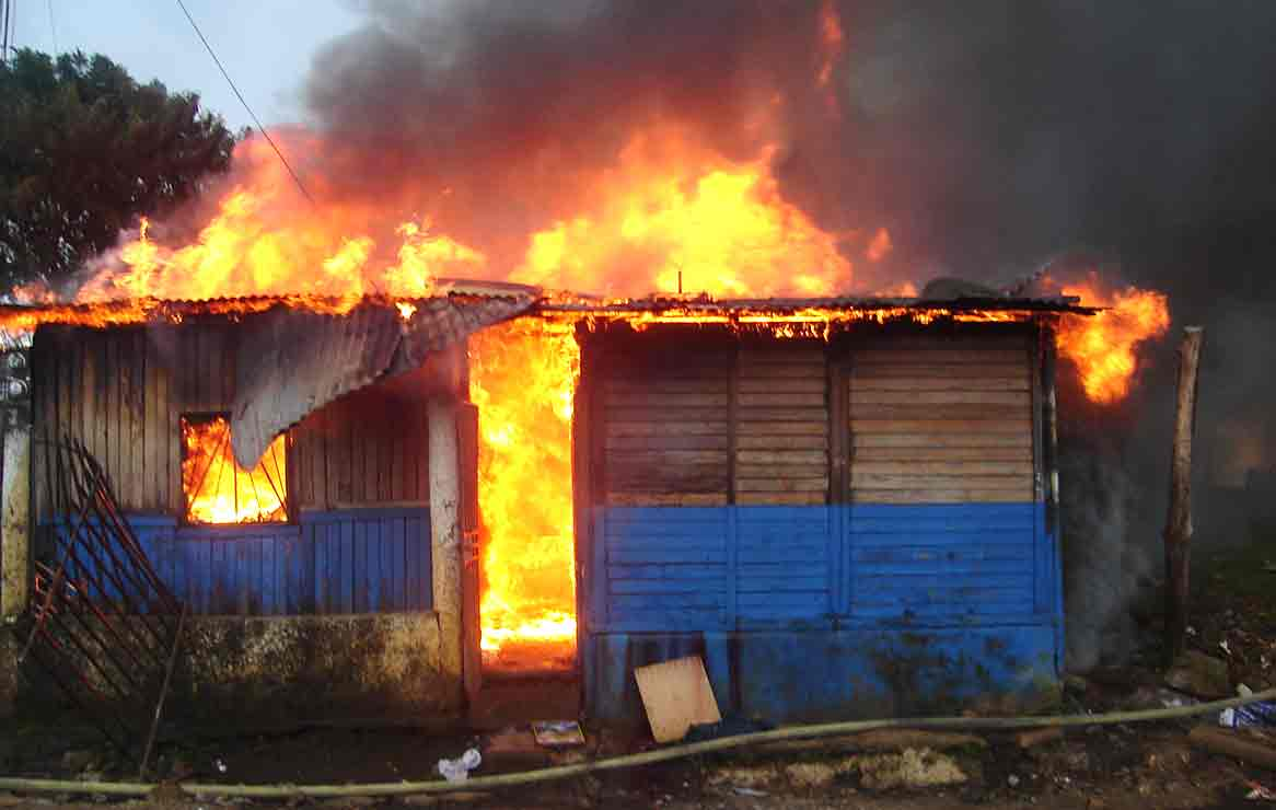 Resultado de imagen para vivienda incendiada