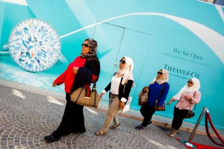 Muslim shoppers, Tiffany's, Beverly Hills, Los Angeles, California, USA