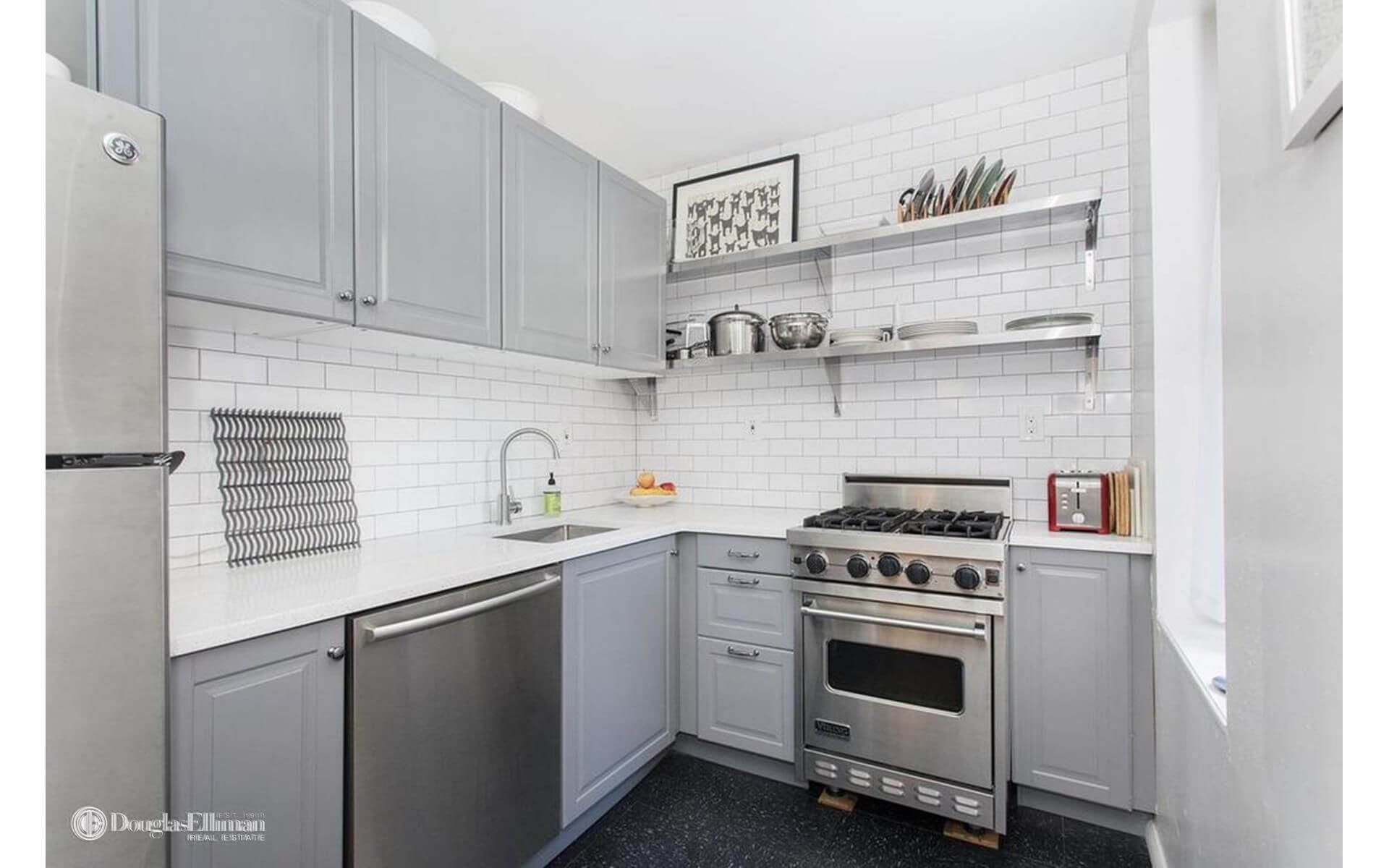 Kitchen Room Bedroom Would You Rent This Three Bedroom In Flatbush With Revamped