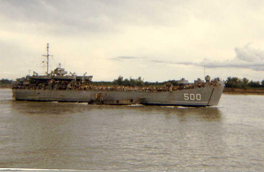 https://i0.wp.com/brownwater-navy.com/vietnam/photos2/exit02.jpg