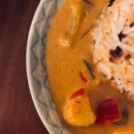 easy-red-thai-curry-steamed-rice-is-the-kind-of-hearty-ha-multip_img-3-bc45fd84.jpg