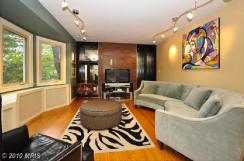 4919-living-room