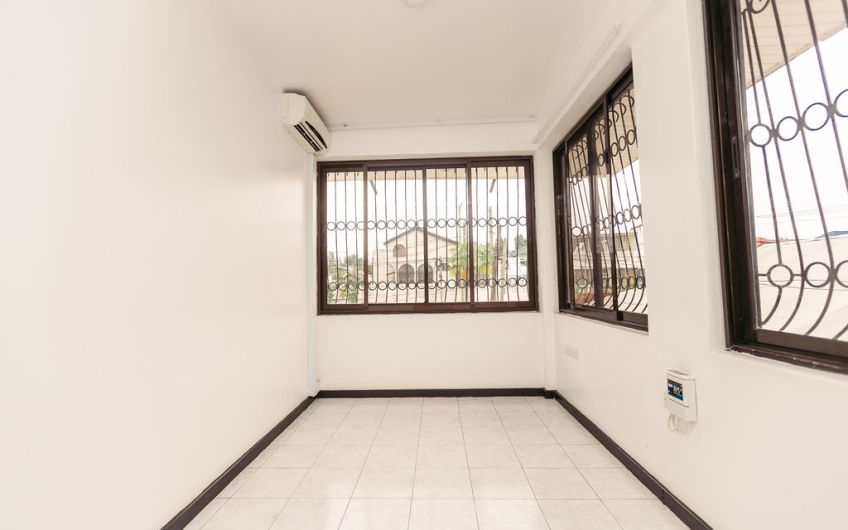 House For Sale at Msasani Near Fish Market Dar Es Salaam33