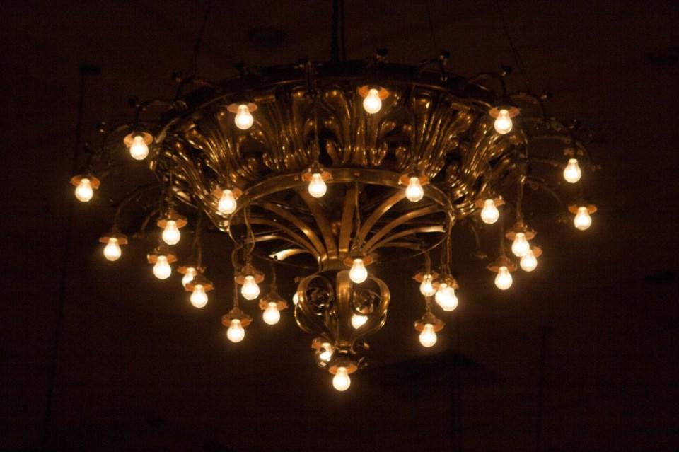 chandelier wellington town hall