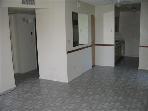 5949-Livingroom