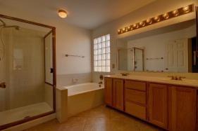 Gondola_Master-Bathroom_1