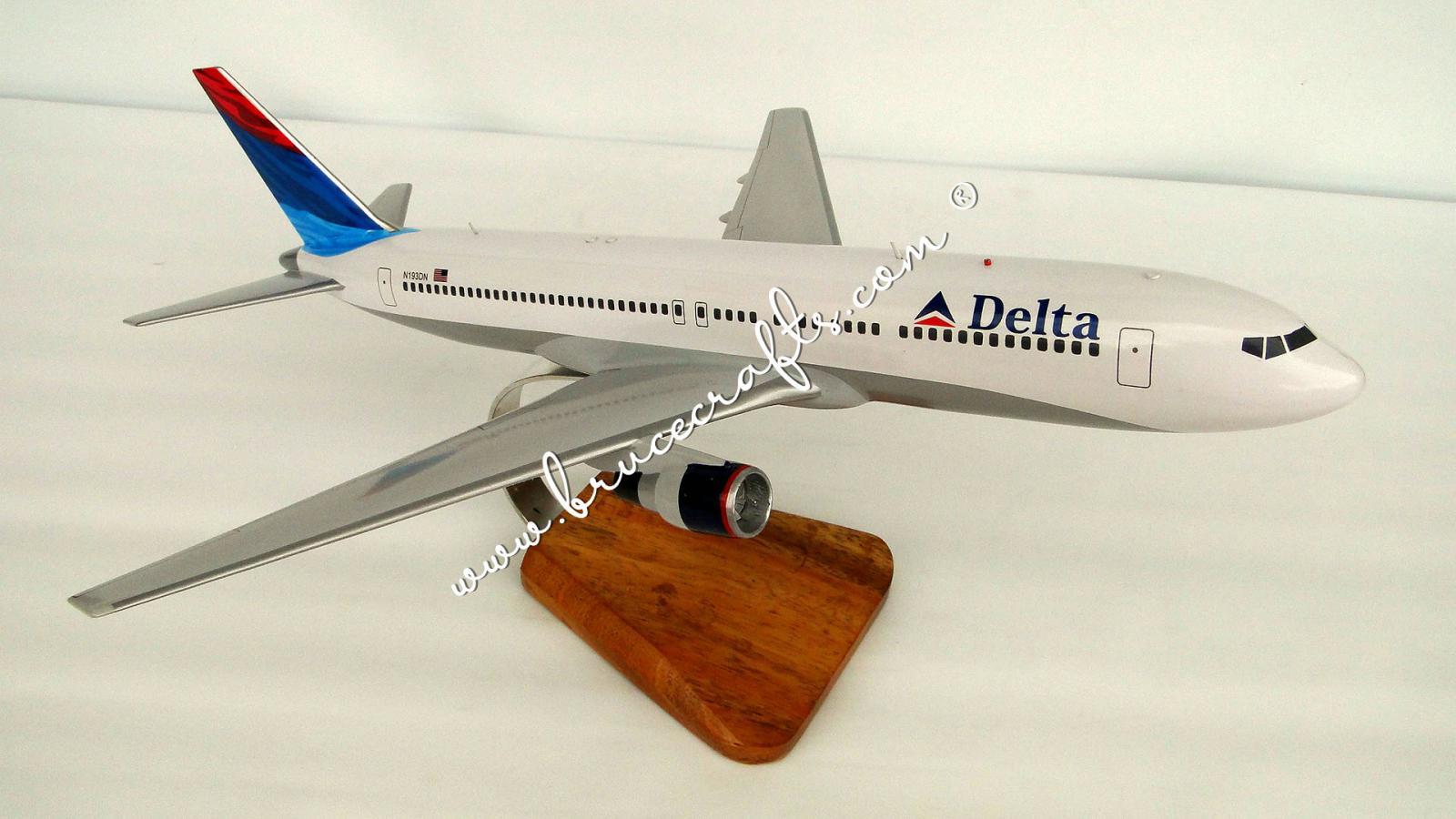 B767-300 Delta Air - Mahogany Wooden Aircraft Models – Boat & Ship Models Handmade Museum Quality