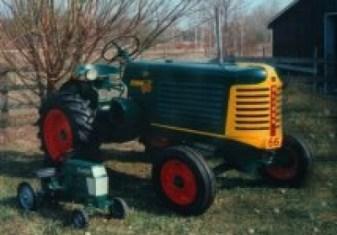 2000 1951 Oliver Standard 66 farm tractor Winner - Milt Balls, Wiarton, ON
