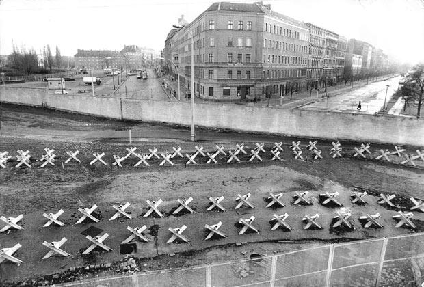berlin wall border