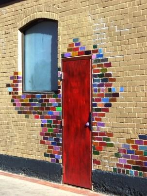 color door spreading