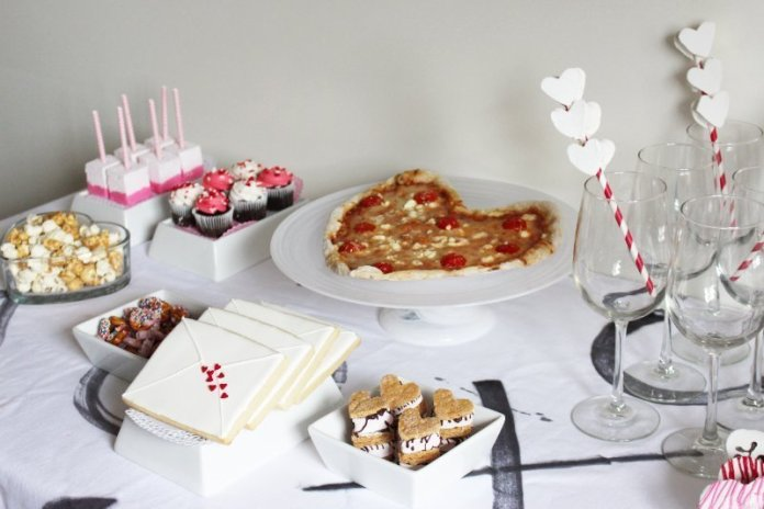 Cheers To Good Friends! A Valentine's Day Party Tutorial! 18