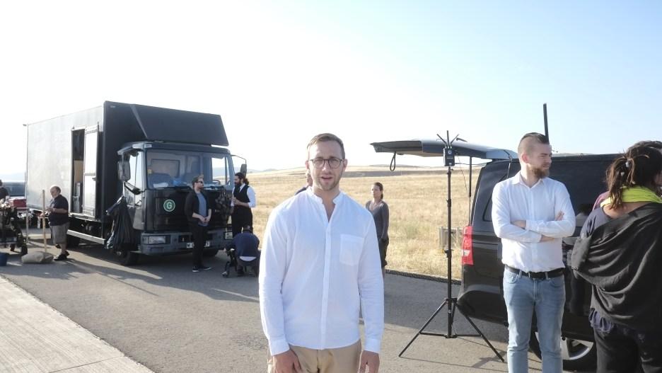 Uli on set