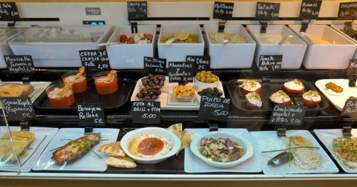 Snacks at the Mercado San Anton in Madrid