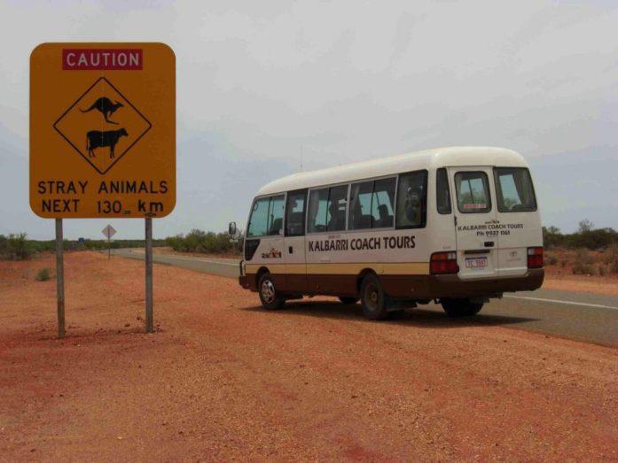 Straßenschild im Outback