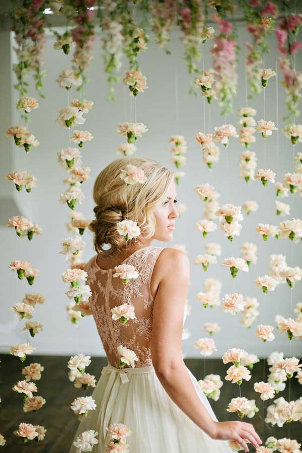 Hangende bloemen als backdrop