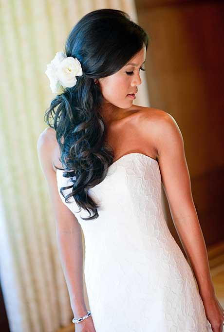 Bruid met half opgestoken haar