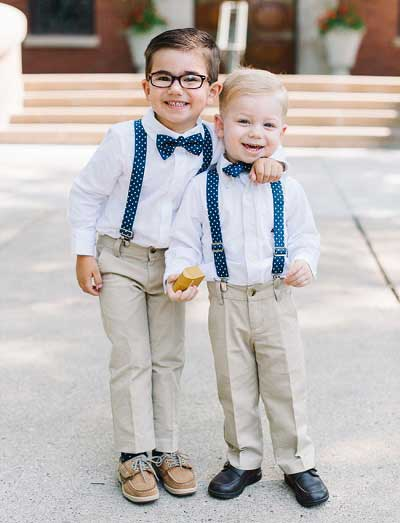 Jongens op bruiloft