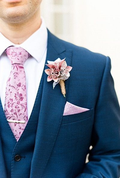 Papieren bloemen corsage