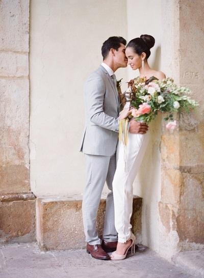 Bruid in jumpsuit