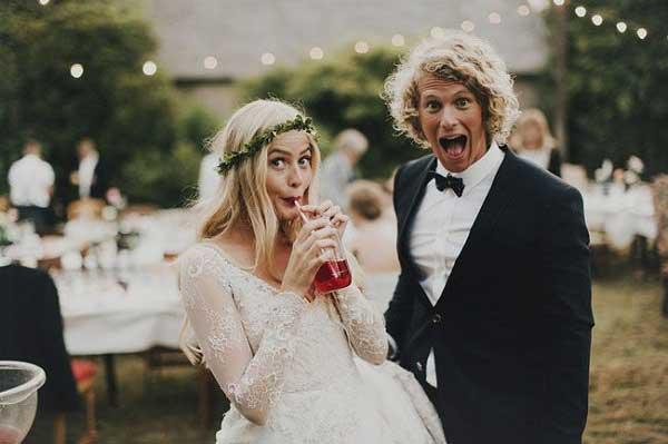 Bruid en bruidegom op originele bruiloft