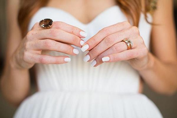 Witte bruidsnagels