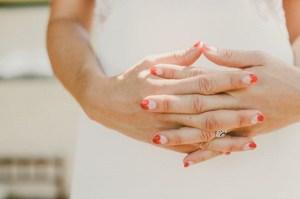 Bruid met hartjes bruidsnagels