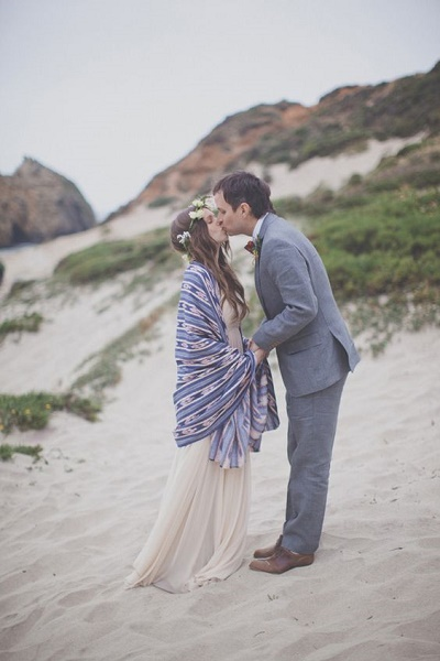 Bruid met blauwe sjaal