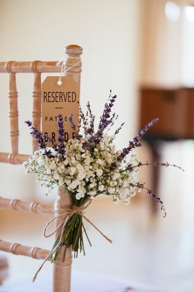 Stoeldecoratie ceremonie bruiloft