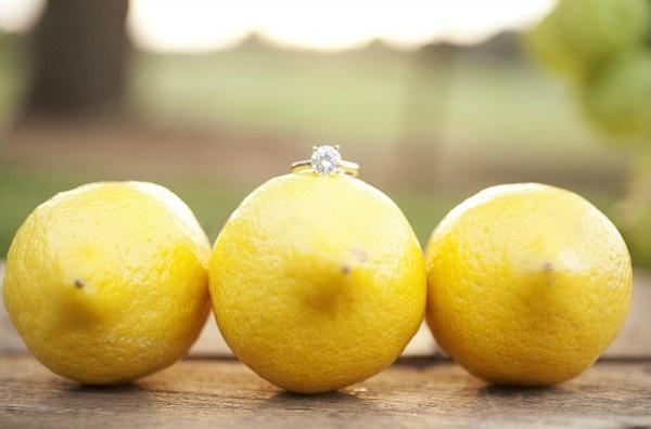 Verlovingsring op citroen