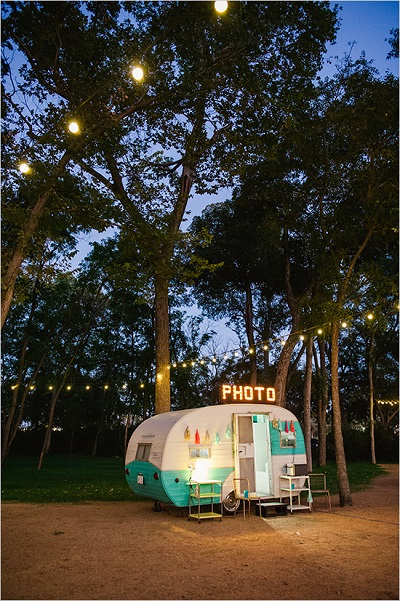 Camping bruiloft