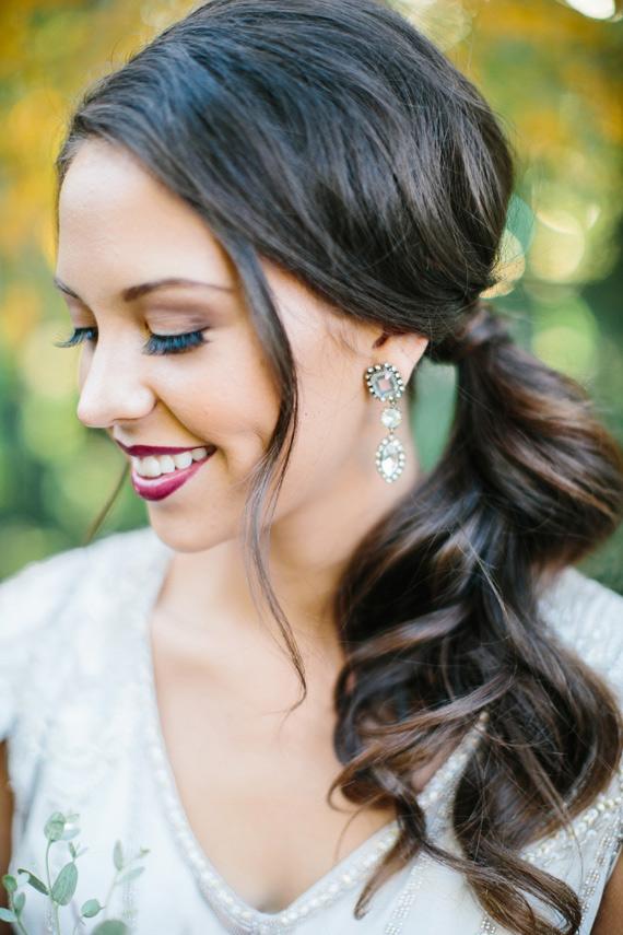Bruid met staart als bruidskapsel