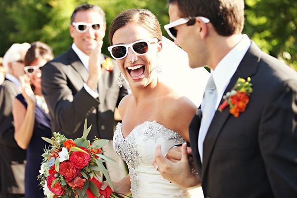 Bruid met zonnebril