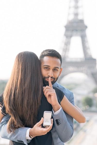Aanzoek in Parijs