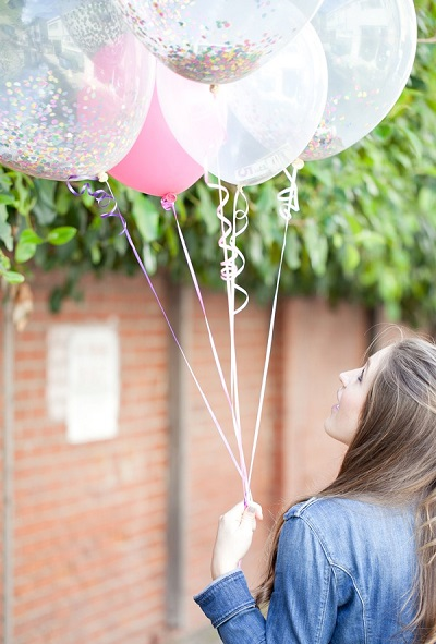 Geld als huwelijkscadeau in ballonnen