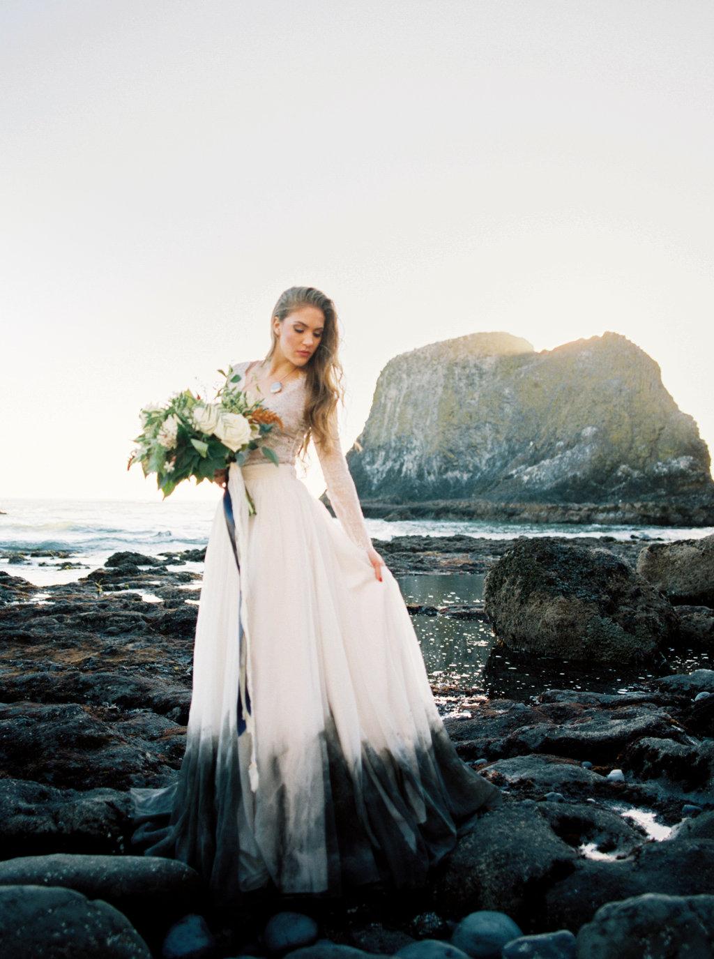 Bruid met zwarte trouwjurk ombre effect