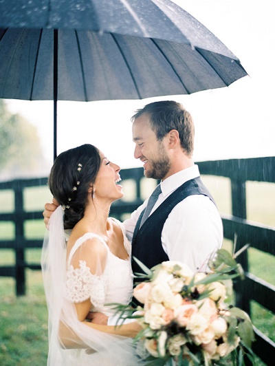 Regen kan bruiloft niet verpesten
