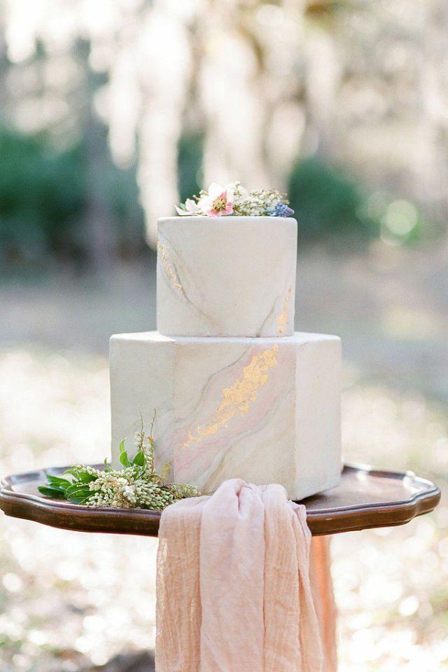 Marmerlook bruidstraat met goud